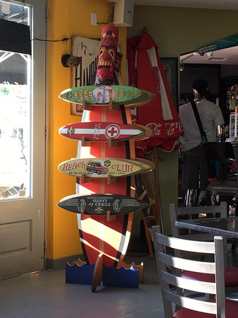 Big Al's Island Burger: cute little surf boards to buy at shop