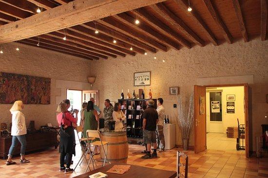 Blere, فرنسا: Le Grange Tasting Room