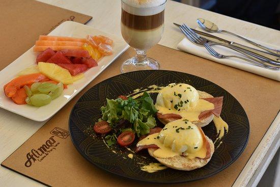 Alimar: DESAYUNO EUROPEO, Nuestro Desayuno incluye Huevos Benedictinos, Jugo, Bebida Caliente, Fruta Pic
