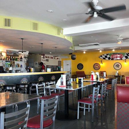 Big Al's Island Burger: photo0.jpg