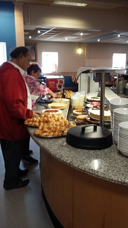 Sand Bay Leisure Resort: The dining hall questions were very long fiveteen minute wait