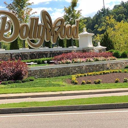 Dollywood: photo0.jpg