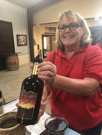 Plantersville, TX: Wine tasting with Miss Jean