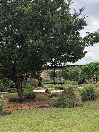 Plantersville, TX: Winery Grounds