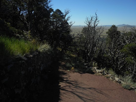 Capulin, NM: Very well manicured trails equals nice hike...