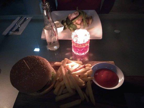 fatCUPID: Tofu and Mushroom Burger with fries