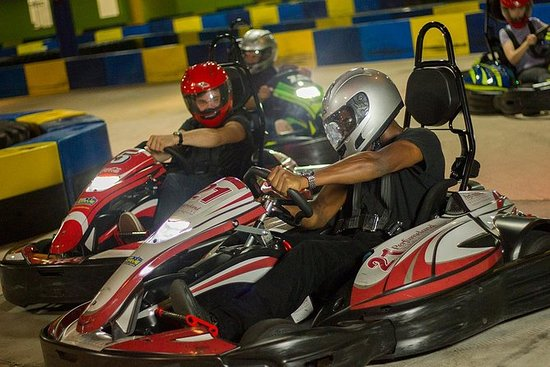 インドアカートレーシング体験