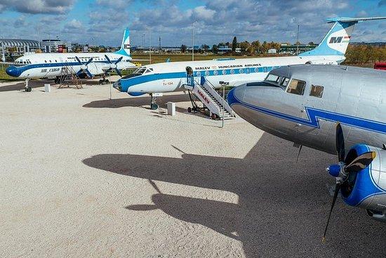 Entrada al Museo Aeropark Aviation...