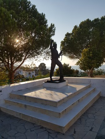 Pachyammos, Cyprus: Statue of soldier killed