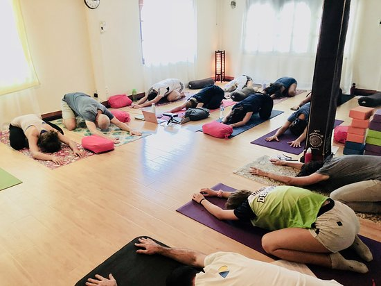 Vientiane, Laos: Low back workshop at Yopi Zen