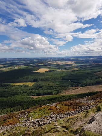 Bennachie Visitor Centre: Well Worth Walking To The Top