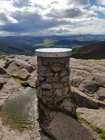 Bennachie Visitor Centre: A Bit Windy - Handy Built In Map To Help You Identify The Surrounding Area