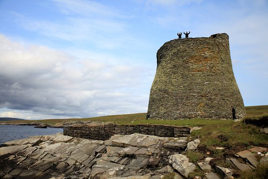 The Mousa Boat : The Old Broch