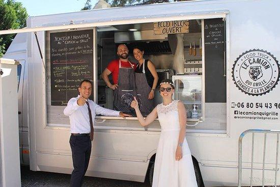 food truck le camion qui grille b ziers restaurant avis num ro de t l phone photos. Black Bedroom Furniture Sets. Home Design Ideas