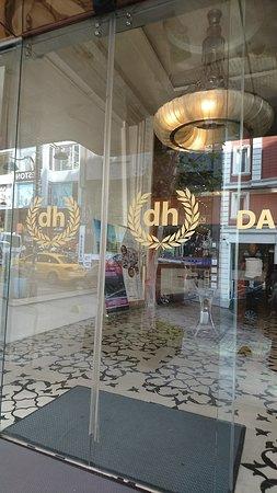 Darkhill Hotel: Snapchat-211241397_large.jpg