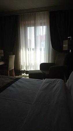 Darkhill Hotel: Snapchat-527630205_large.jpg