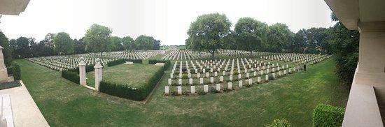 Reviers, France: cimetière