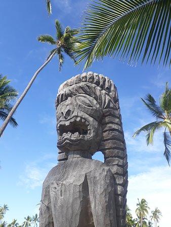 Honaunau, Hawái: hölzerne Skulptur