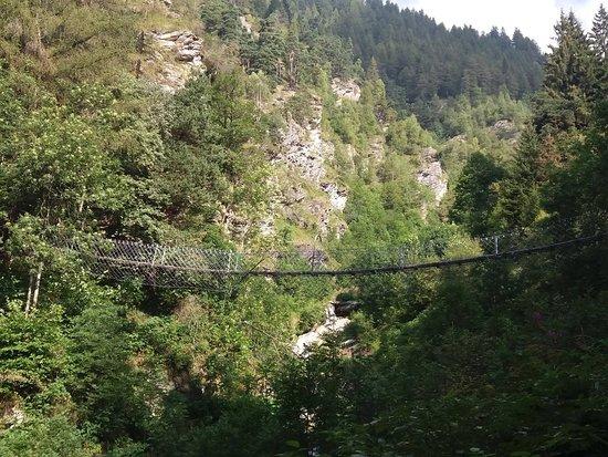 Sampeyre, Italija: Ponte Tibetano di Becetto ( Cn )
