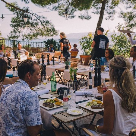 Restaurant Dida : Dodgeball Supercar Rally having lunch at our restaurant, 09.09.2018.