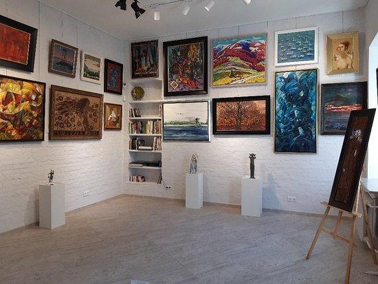 Art Gallery Portal 11