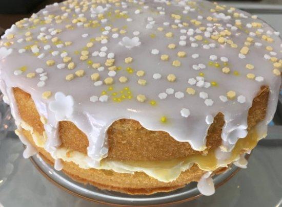 Itteringham, UK: Elderflower Cake