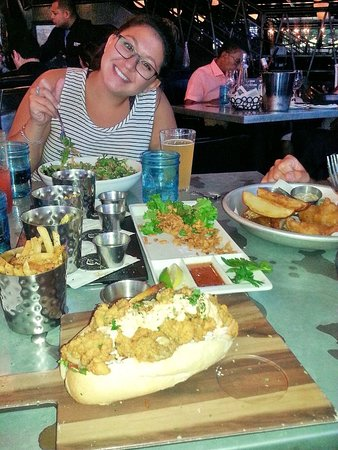 Old Town Waterfront: Casual dinner at the Blackwall Hitch restaurant., behind the Torpedo Factory art center.