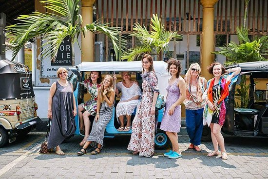 Hikkaduwa, Sri Lanka: Hikkasurf Tours