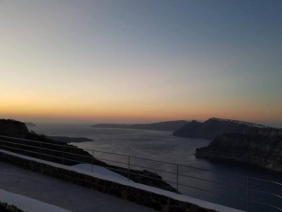 Santorini Wine Adventure: Sunset at the last winery
