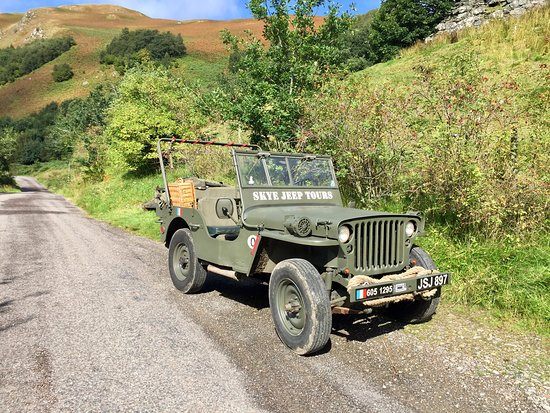 Breakish, UK: Our open top vintage jeep. A must do!