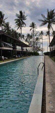 Lipa Noi, Tailandia: מלון מושלם  החיסרון היחידי שלא קרוב למרכז  חדרים גדולים שירות נקיון מעל המצופה  ארוחת בוקר עשירה