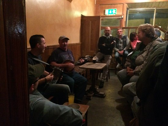 Shannonbridge, Irland: Music session