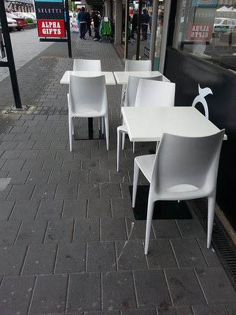 Movenpick: Seating