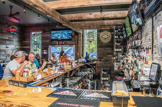 Review Of Treehouse Pub And Eatery