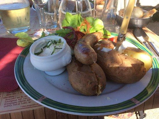 Ile-de-Batz, France: Pommes de terre saucisse