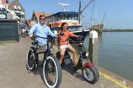 biking around in Volendam :-))