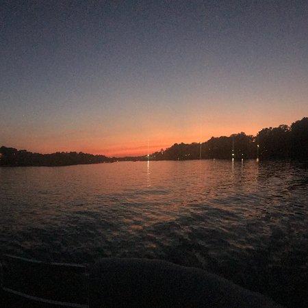 Captain Jack's Lake Cruises