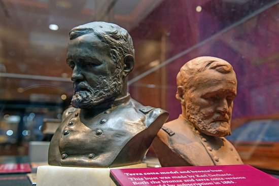 Starkville, MS: Busts of Ulysses S. Grant.