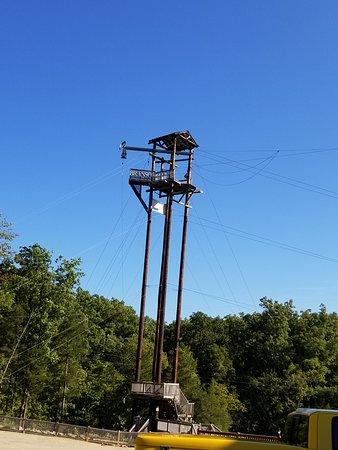 Walnut Shade, MO: 100' tower