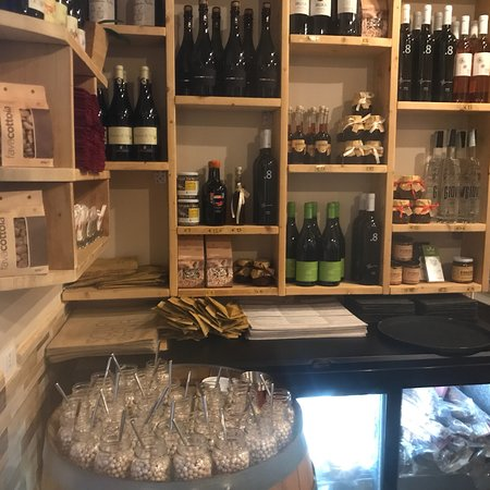 Sciuri e Fava Winebar e Cucina: photo1.jpg