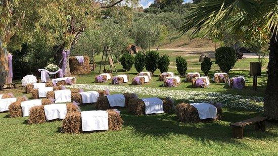 Castelnuovo Cilento, Italie: parco allestito per la cerimonia