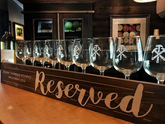 Three Hammers Winery: Perfect location for parties and gatherings!
