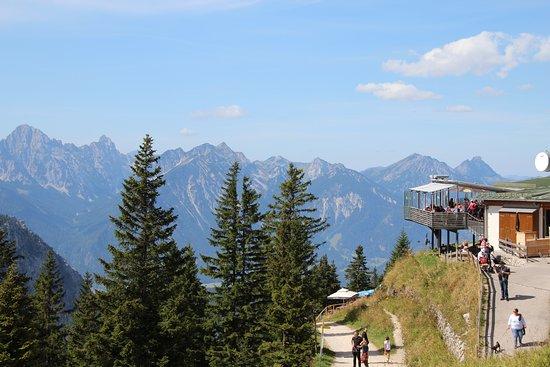 Mount Tegelberg: Blick mit Gastronomie