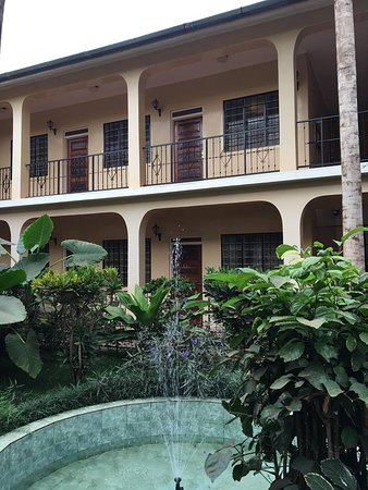 Springlands Hotel: Hotel grounds