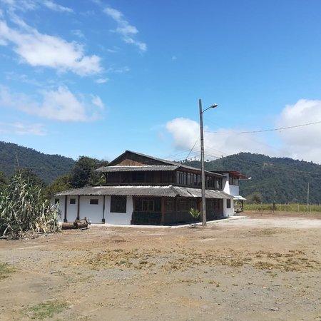 Gualea, Ecuador: Tierra de Tayos