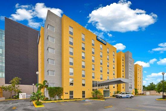 Bien ubicado opiniones sobre city express m rida m rida for Hoteles en merida con piscina
