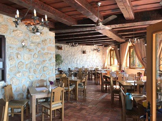 Maslenica, Kroatia: Indoor - nice place