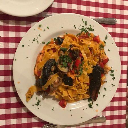 Ristorante miraggio club in roma con cucina cucina romana for Cibo tipico romano