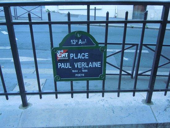 Plaque Commémorative du Bicentenaire du Premier Vol Humain en Montgolfiere