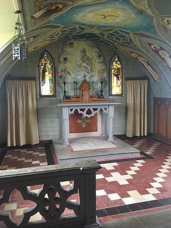 St. Mary's, UK: Altar
